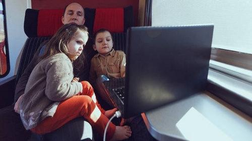 Дети и ноутбук