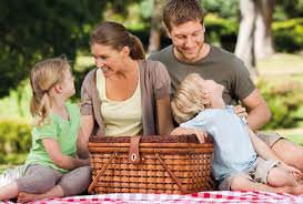 Семья и пикник