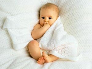Младенец и постель