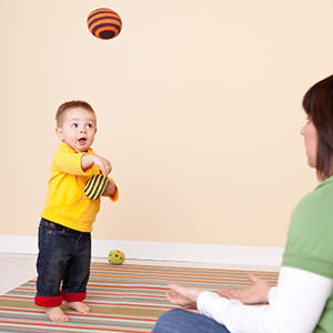 Ребенок и мяч