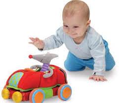 Ребенок и игрушка