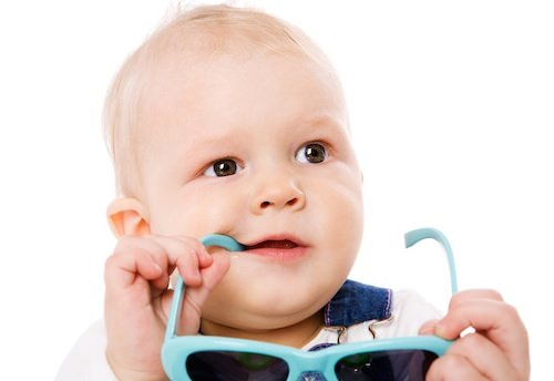 Ребенок с очками