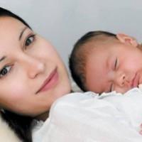 Мать и новорожденный