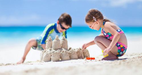 Дети и песок