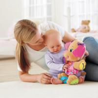 Ребенок и интерактивная игрушка