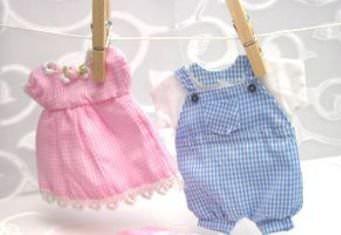 Детская одежда и прищепки