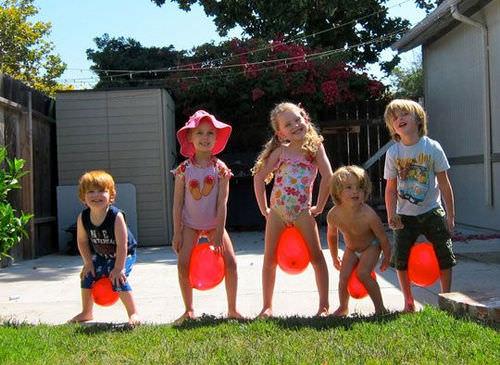 дети и шарики