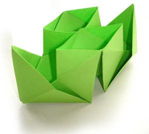 Двухтрубный кораблик из бумаги