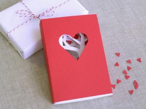 подарок из бумаги