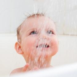 Ребенок и душ