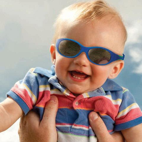 Солнцезащитные очки и ребенок