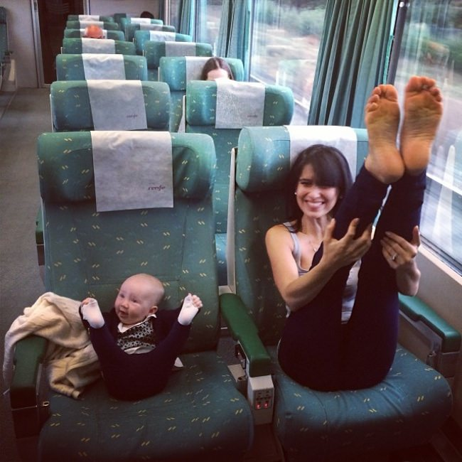 7659310-R3L8T8D-650-like-mother-like-daughter-funny-photography-54