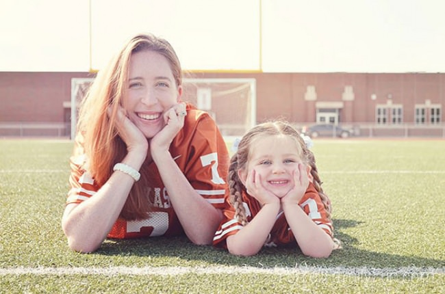 7659860-R3L8T8D-650-like-mother-like-daughter-funny-photography-10