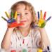Девочка с цветными пальцами